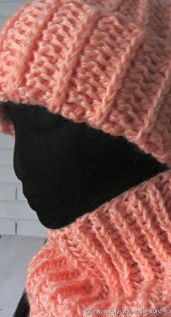 Персиковый комплект из мохера объемная шапка и снуд ручной работы на заказ