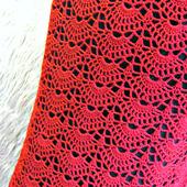 Красная ажурная вязаная юбка миди