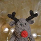 Вязаная крючком игрушка новогодний олень, амигуруми