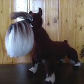 Собака Цвергшнауцер коричневый