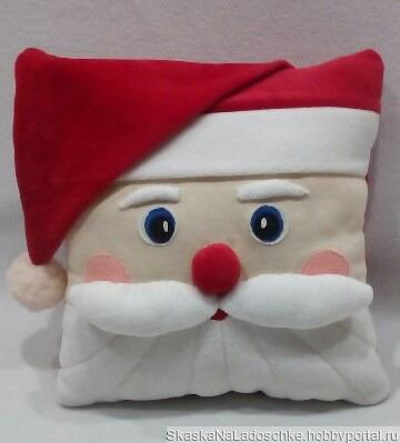 """Подушка """"Дед Мороз"""" ручной работы на заказ"""