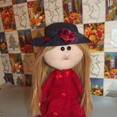Кукла текстильная в красном пальто