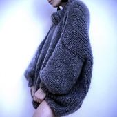 Модный свитер оверсайз из мохера