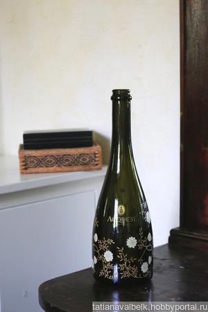 Бутылка стеклянная от шампанского с цветами ручной работы на заказ
