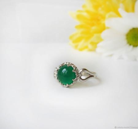 Серебряное колечко с зелёным  халцедоном ручной работы на заказ