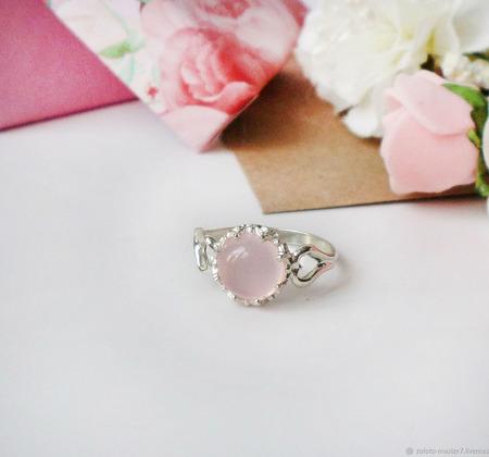 Серебряное колечко с розовым халцедоном ручной работы на заказ