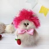 Авторская интерьерная игрушка.Кошечка в ёжиковой шапке:)
