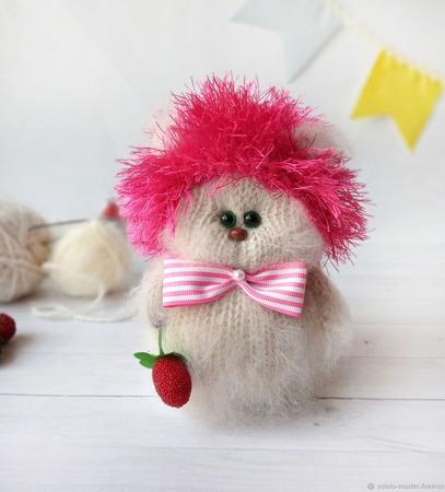 Кошечка в ёжиковой шапке ручной работы на заказ