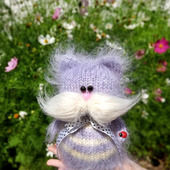 Вязаная игрушка кот Усатый - Полосатый