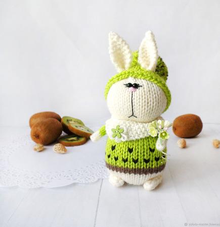 """Вязаный кролик """"КивиК"""" ручной работы на заказ"""