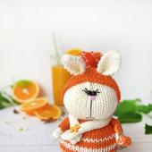Вязаный кролик МандаринчиК. Амигуруми