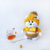 Кот Пчёлкин. Вязаная игрушка из фактурной пряжи