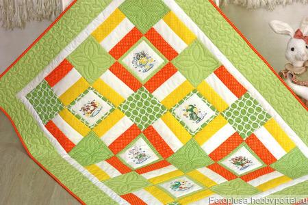 Детское лоскутное одеяло с вышивкой ручной работы на заказ