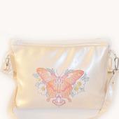 """Женская сумочка с вышивкой """"Бабочка с кулоном"""""""