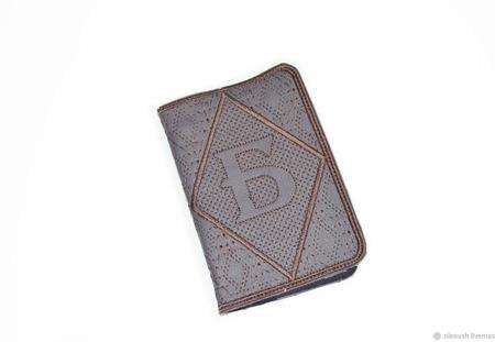 Обложка на паспорт с буквой Б ручной работы на заказ