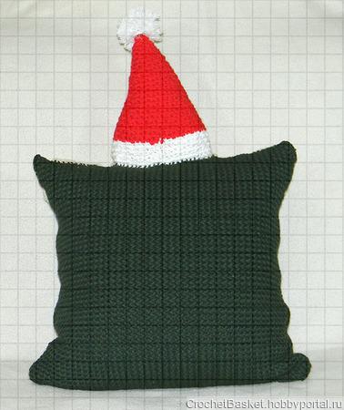 Вязаная новогодняя наволочка «Дед Мороз» с карманом для подарков ручной работы на заказ