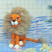 Вязаная игрушка «Львёнок»