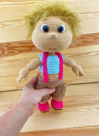 Вязаная кукла мальчик ручной работы на заказ
