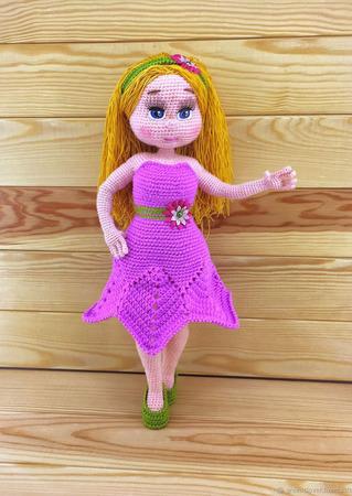 Вязаная куколка Василиса ручной работы на заказ
