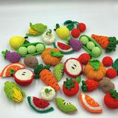 Набор вязаных овощей, фруктов и ягод