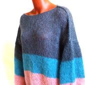 Вязаный свитер из мохера в стиле ColorBlock
