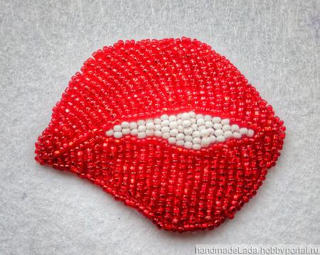 Брошь «Красные губы» ручной работы на заказ