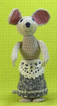 Набор мягких вязаных игрушек «Дюймовочка и полевая мышь» ручной работы на заказ