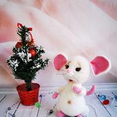 Символ Нового года - вязаная мышка