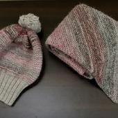 Вязаная шапка и шарф серо-розовый