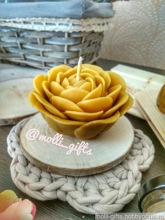 Ранункулюс - свеча из воска ручной работы на заказ