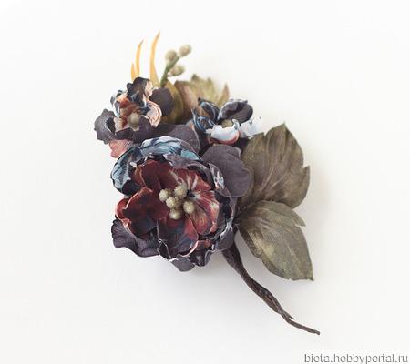 Брошь с цветами темная коричневая ручной работы ручной работы на заказ