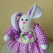 Текстильная кукла-зайчиха