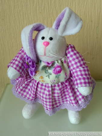 Текстильная кукла-зайчиха ручной работы на заказ