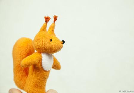 Пальчиковая игрушка Белочка ручной работы на заказ