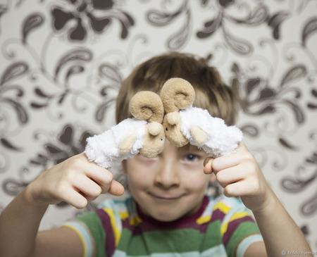 Пальчиковая игрушка Барашек ручной работы на заказ