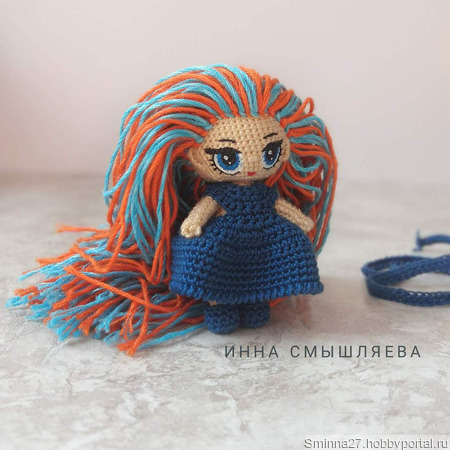 Вязаная миниатюрная куколка ручной работы на заказ