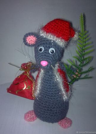 Мышь вязаный и сшитый новогодний крысенок ручной работы на заказ