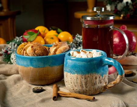 Тарелка в ярко голубом цвете ручной работы на заказ