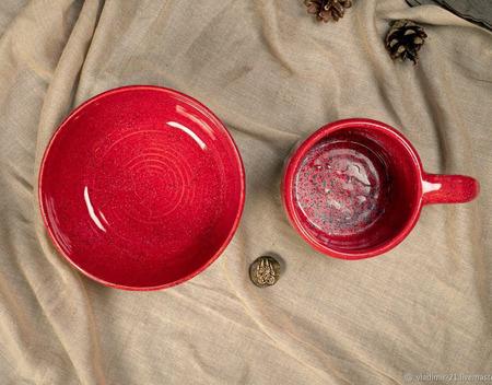 Тарелка глубокая в ярко красном цвете ручной работы на заказ