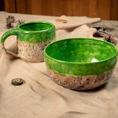 Тарелка в ярко зеленом цвете