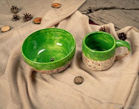 Тарелка в ярко зеленом цвете ручной работы на заказ