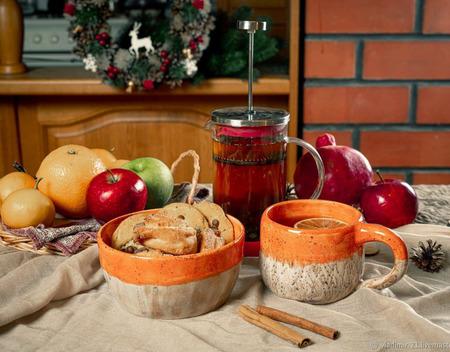 Кружка и тарелка в ярко оранжевом цвете ручной работы на заказ