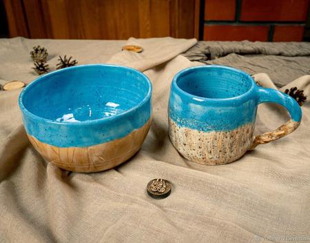 Кружка и тарелка в ярко голубом цвете ручной работы на заказ