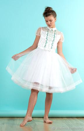 """Платье """"Айвори"""" с вышивкой ручной работы на заказ"""