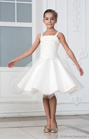 Платье айвори с жемчужинами ручной работы на заказ