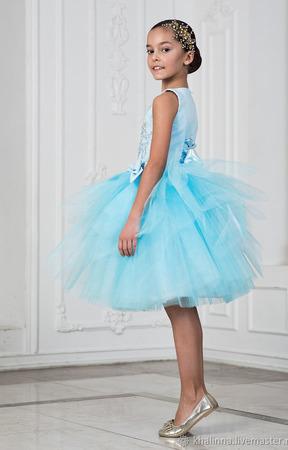 """Платье """"Весна"""" голубого цвета с вышивкой ручной работы на заказ"""