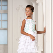 Платье белоснежное каскадное с мятными цветами