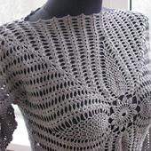 Платье крючком с длинным рукавом
