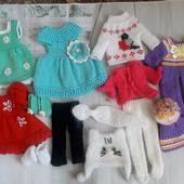 Набор вязаной одежды для куклы Паола