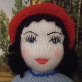 Красная Шапочка в национальном французском костюме